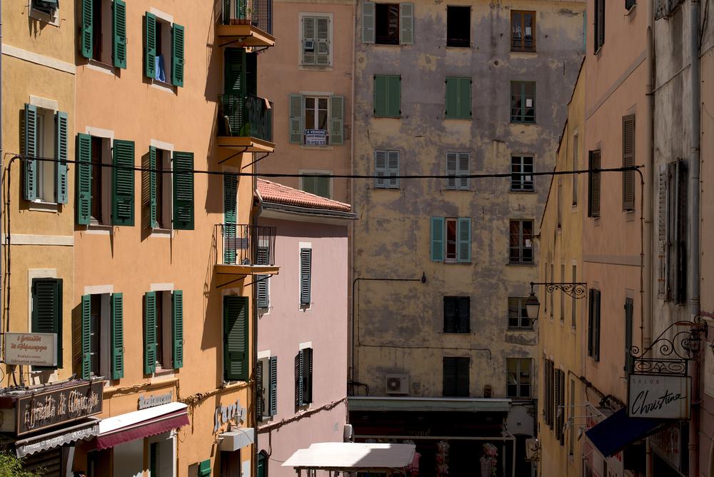 Fassadengetümmel: Leica M mit Summilux 50 mm @ 6.3.
