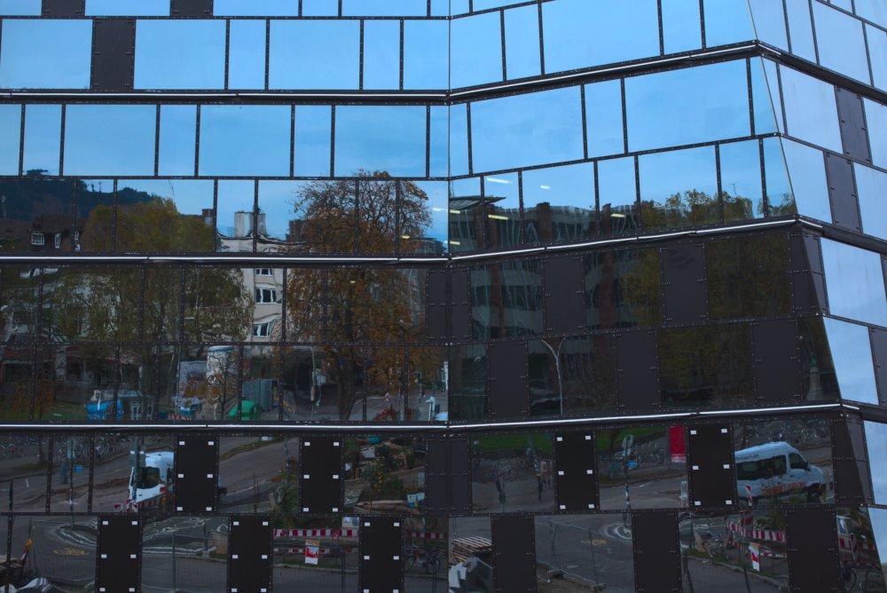 Neue Universitätsbibliothek in Freiburg. Fotografiert mit der Leica M und Summilux-M 50 mm @ 5.6.