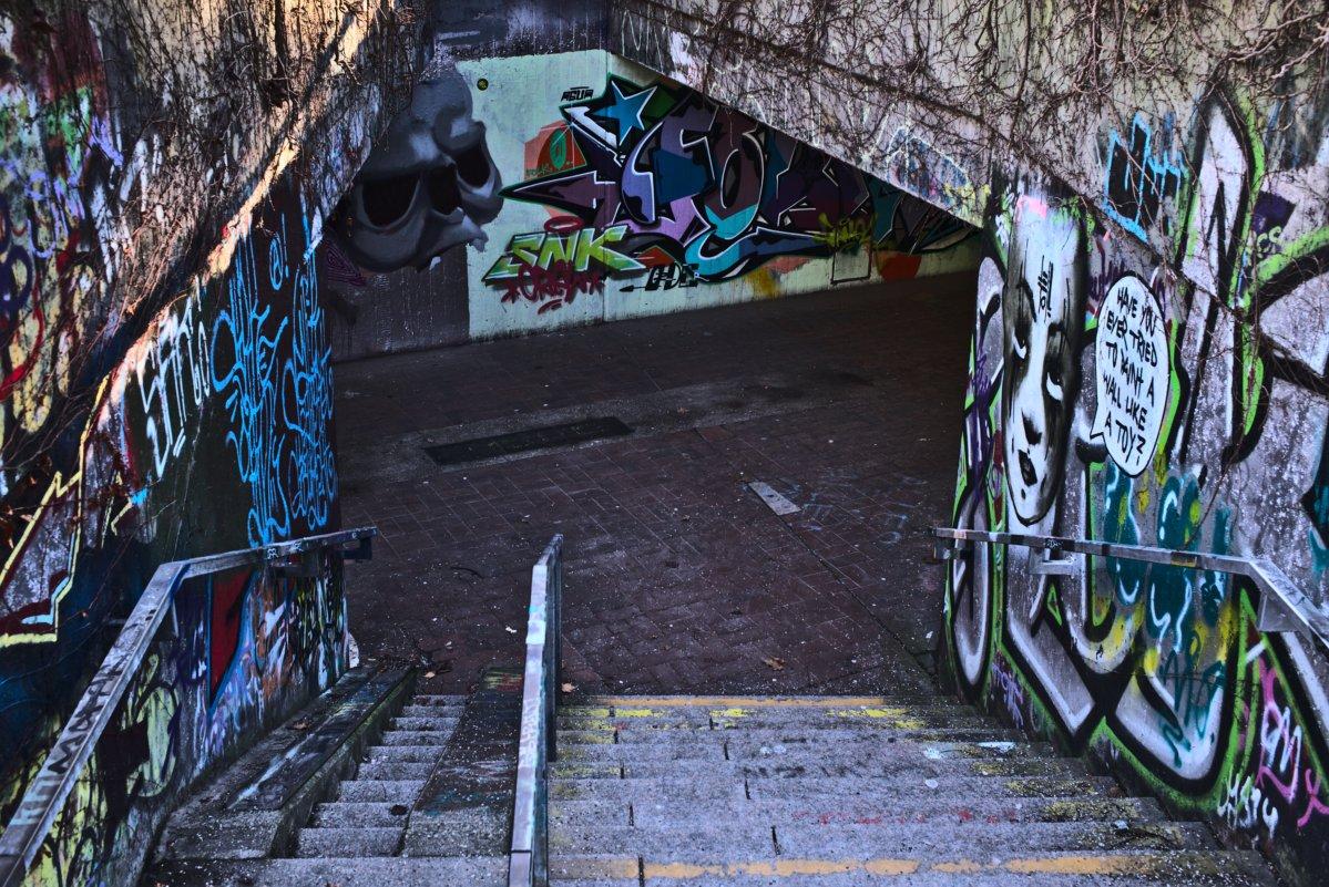 """Eingang zur """"Kunstgalerie"""". Fotografiert mit Leica M und Summicron-M 35 mm @ f/5.0."""